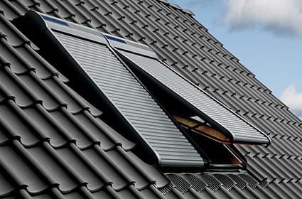 a gantenbein holzbau ag f r dachfenster sonnenschutz und verdunkelung ob neubau oder nachr sten. Black Bedroom Furniture Sets. Home Design Ideas